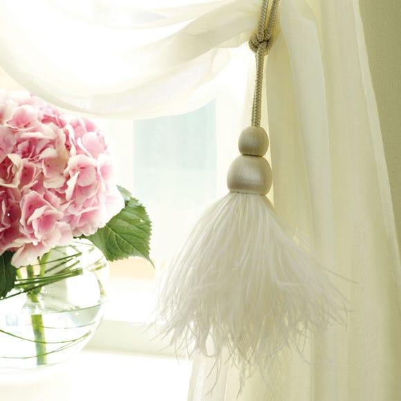 Feather Curtain Tieback White