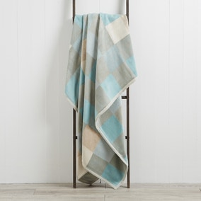 Thermosoft Squares 150cm x 200cm Blanket