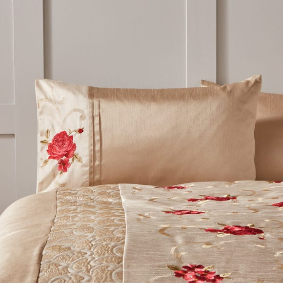Juliet Red Housewife Pillowcase Red