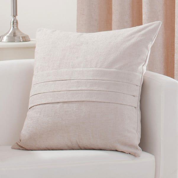 Chenille Pleat Cushion Cream (Natural)