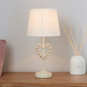 Wicker Heart Cream Table Lamp