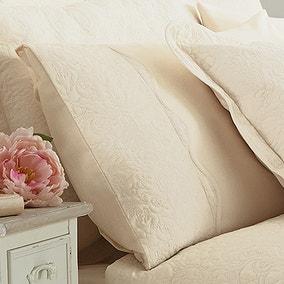 Ebony Cream Housewife Pillowcase