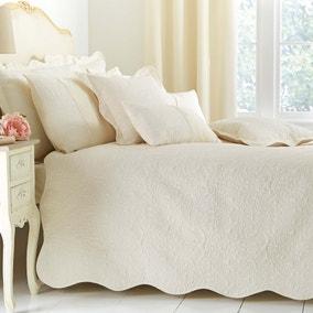 Ebony Cream Bedspread