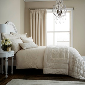 Antique Lace Cream Bedspread