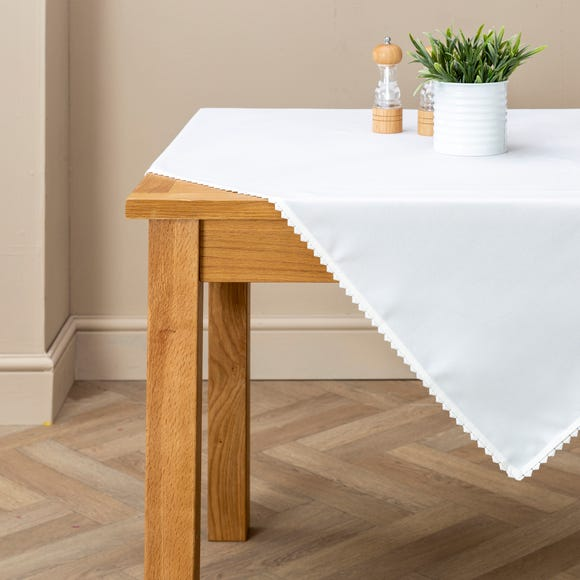 Heart Trim Tablecloth White undefined