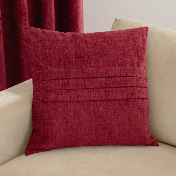 Chenille Pleat Cushion Wine (Red)