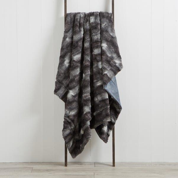 Plush Faux Fur 130cm x 180cm Throw Plush Faux Fur Grey