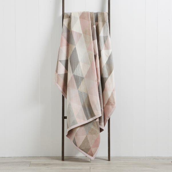 Thermosoft Pink Geo 220cm x 240cm Blanket