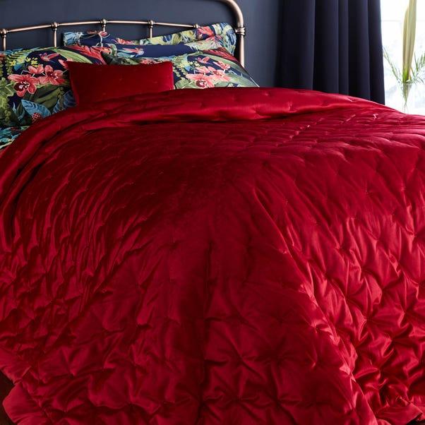 Red Velvet Bedspread Red undefined