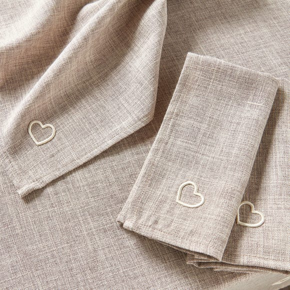 Pack Of Four Country Heart Napkins Natural