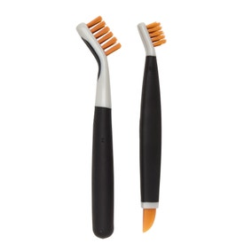OXO Saffron Deep Clean Brush Set