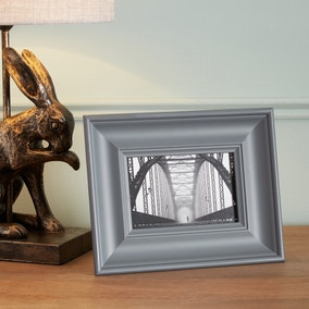 """Grey Wooden Painted Photo Frame 6"""" x 4"""" (15cm x 10cm)"""