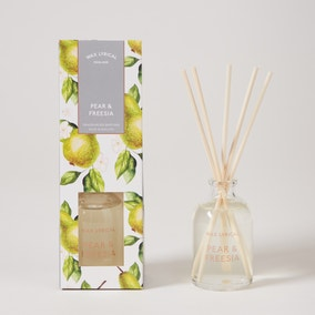 Destinations Pear and Freesia 100ml Reed Diffuser