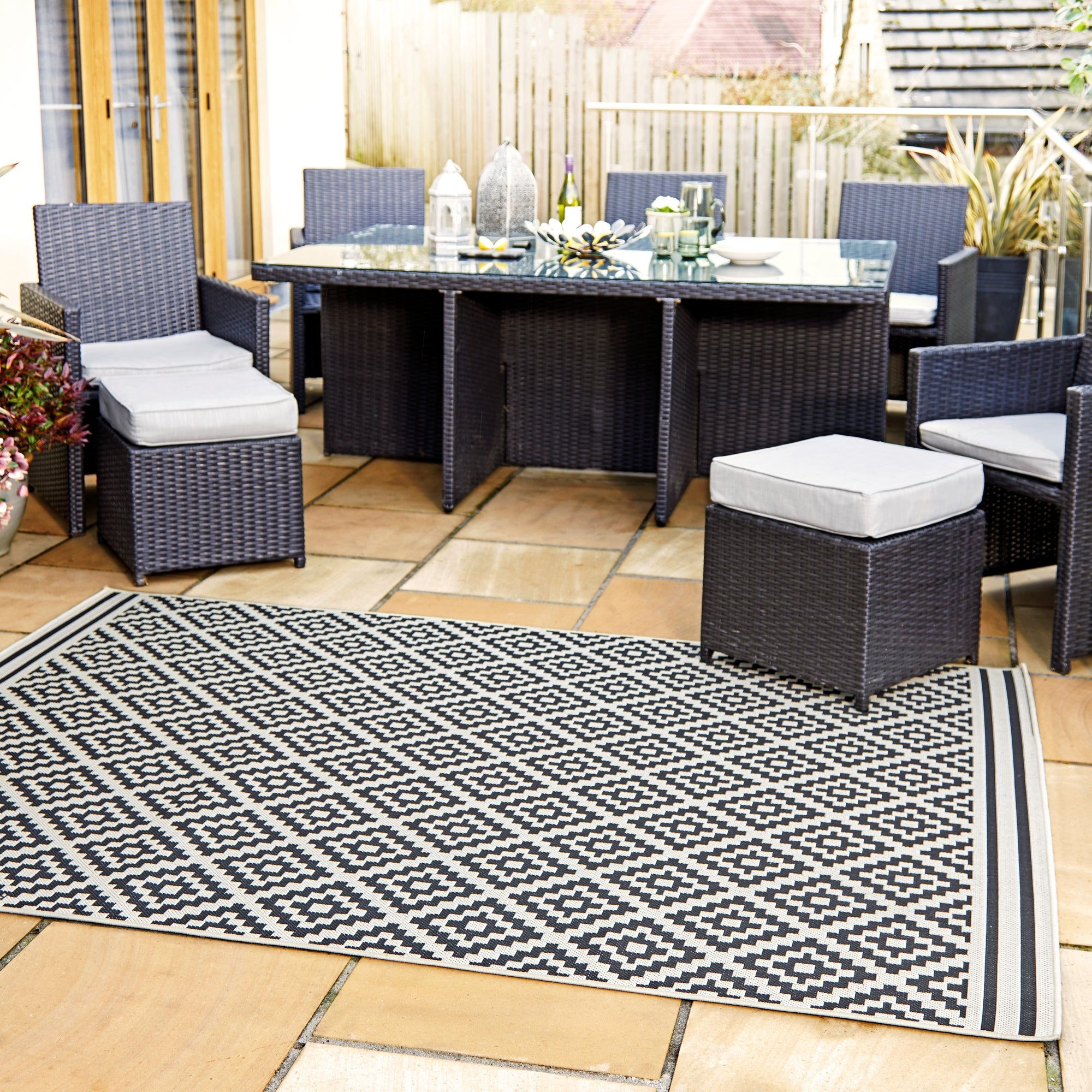 Photo of Indoor outdoor moretti rug moretti black
