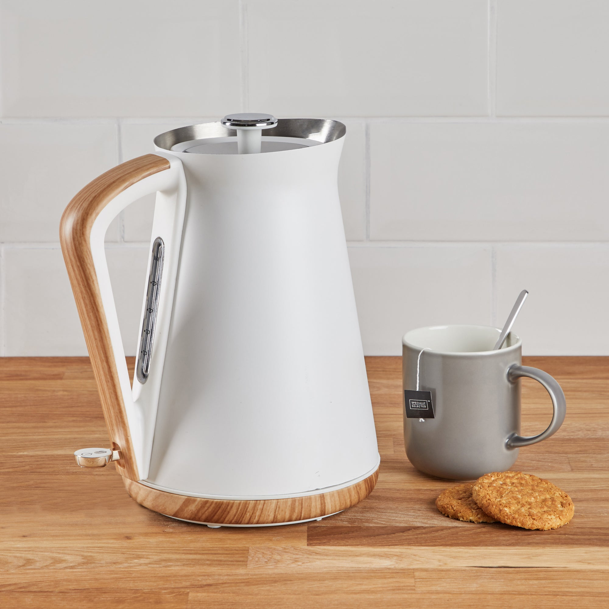 Contemporary 17l 3kw White Jug Kettle White And Brown