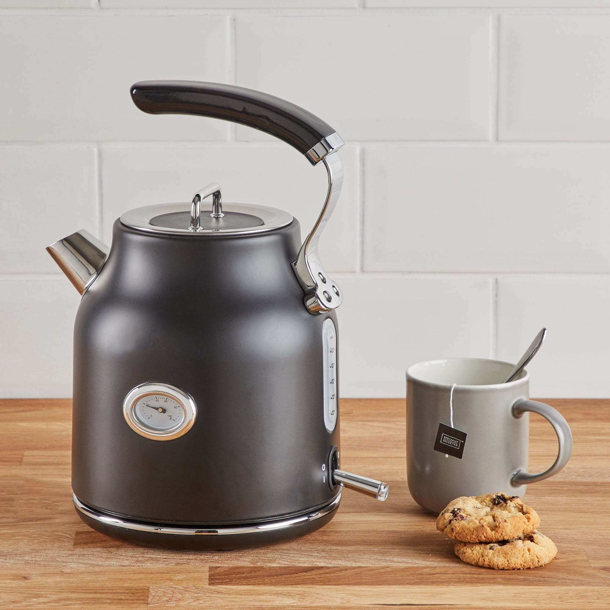 Retro 17l 3kw Matt Black Kettle Black And Silver
