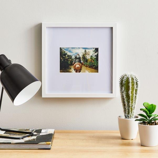 "White Oversized Square Mount Frame 6"" x 4"" (15cm x 10cm)"