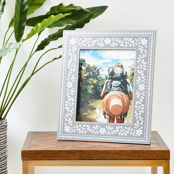"""Patterned Painted Frame 10"""" x 8"""" (25cm x 20cm) Grey"""