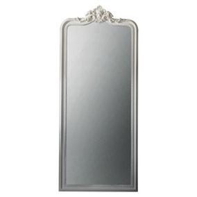 Cagney White Mirror