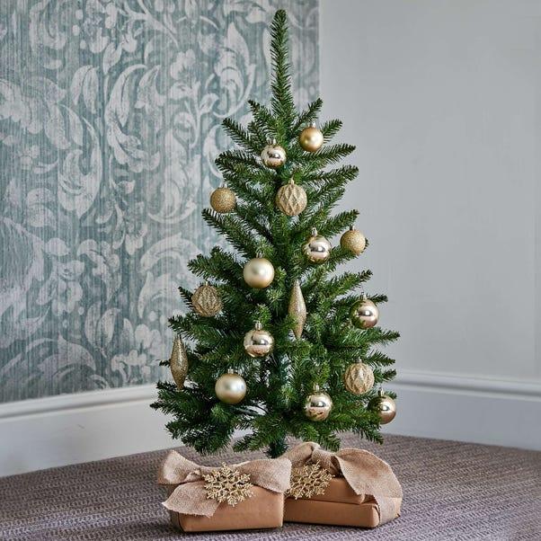 4ft Pre-Lit Kingswood Slim Christmas Tree Green
