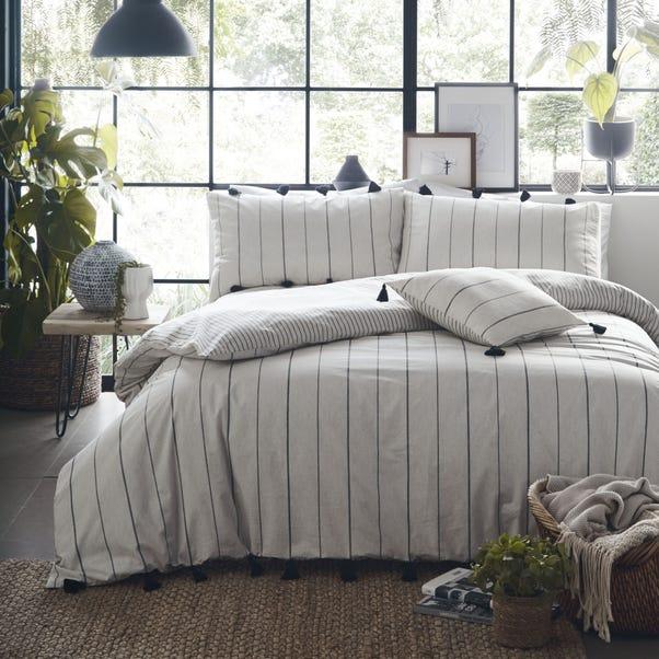 Appletree Delta Linen 100% Cotton Reversible Duvet Cover and Pillowcase Set  undefined