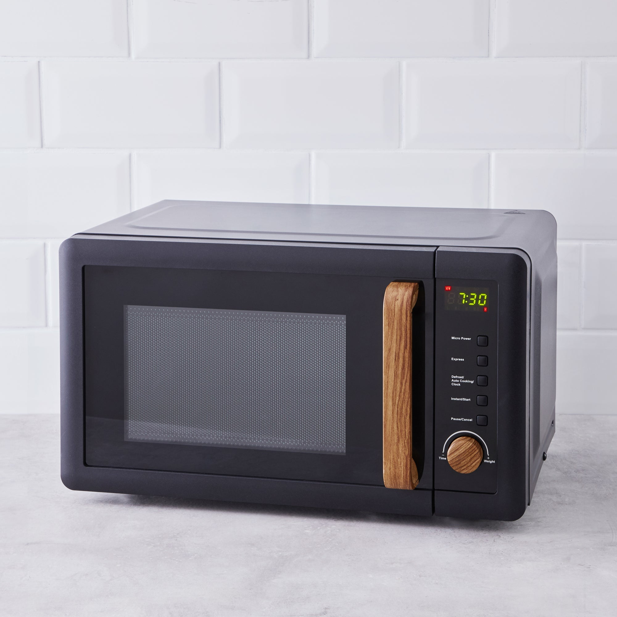 Contemporary 20l 700w Black Microwave Black And Brown