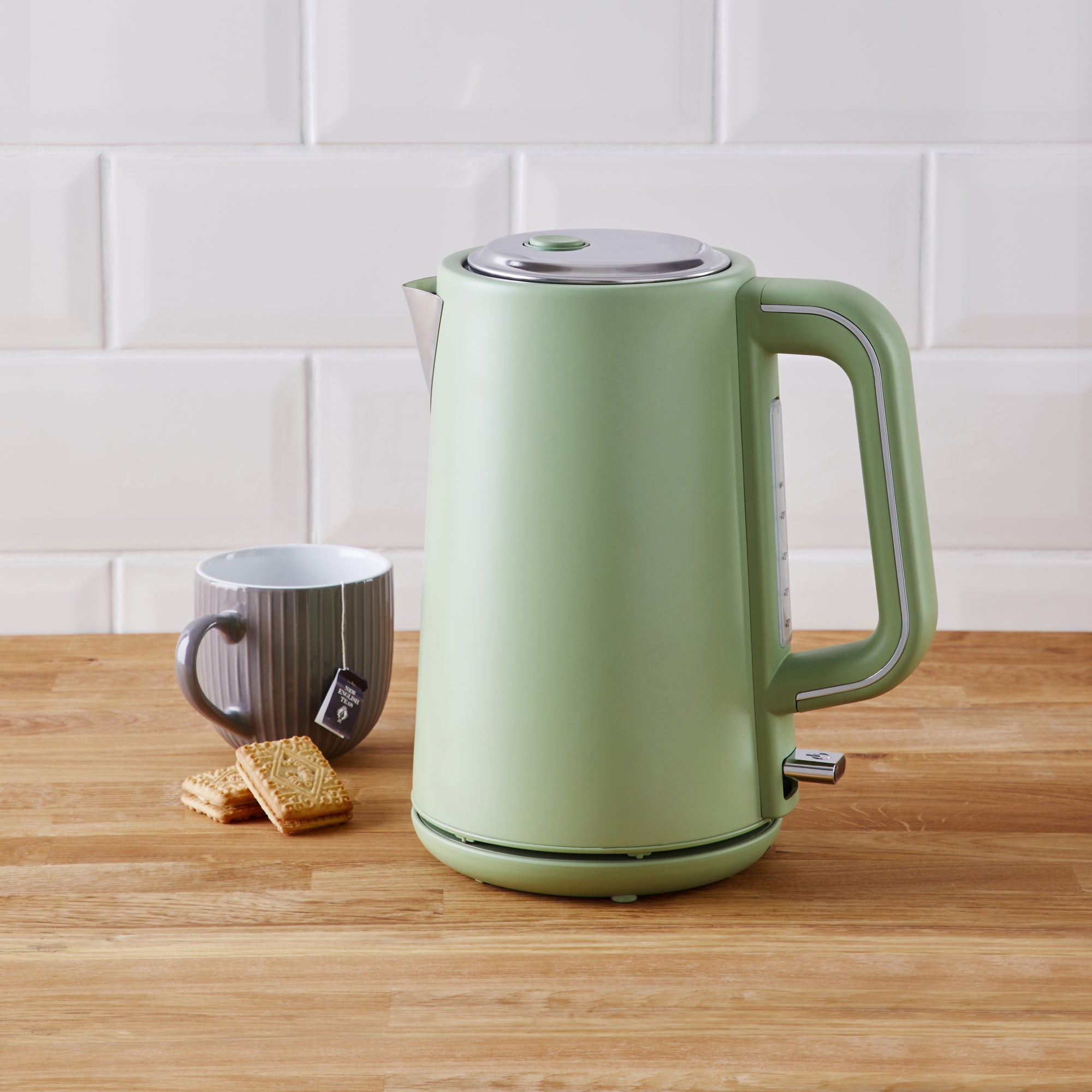 Coastal Sage Green 17l Kettle Green And Silver
