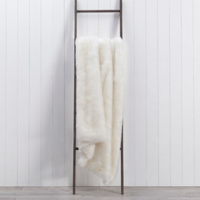 Alanna White Faux Fur 130cm x 180cm Throw