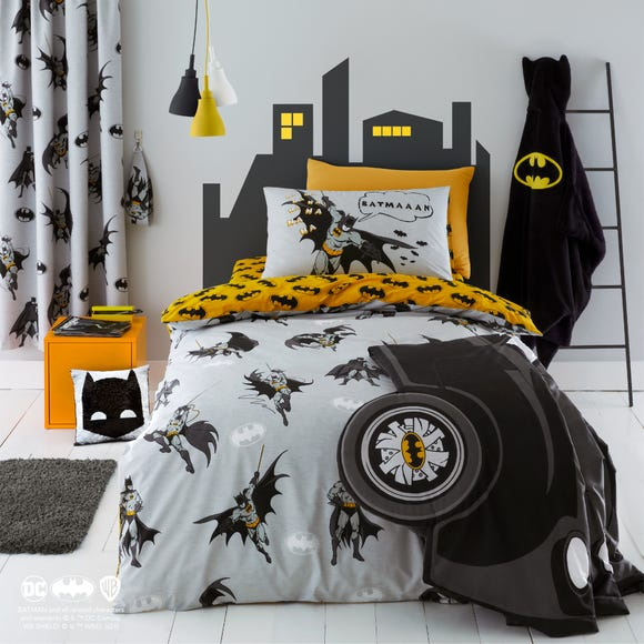 Batman Grey Reversible Glow in the Dark Duvet Cover and Pillowcase Set  undefined