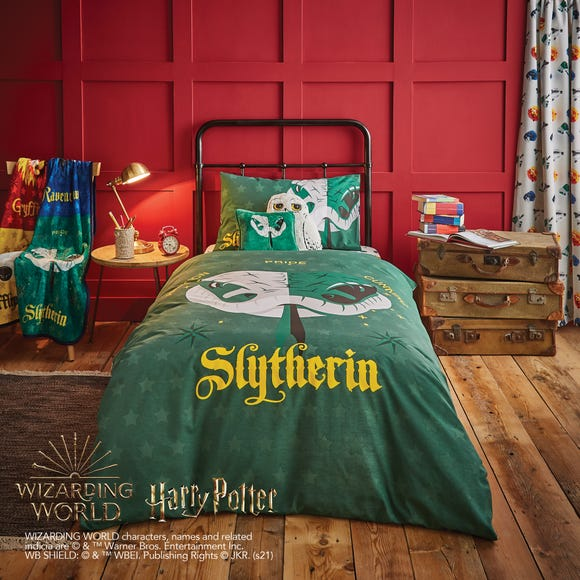 Harry Potter Slytherin House Reversible Duvet Cover and Pillowcase Set  undefined