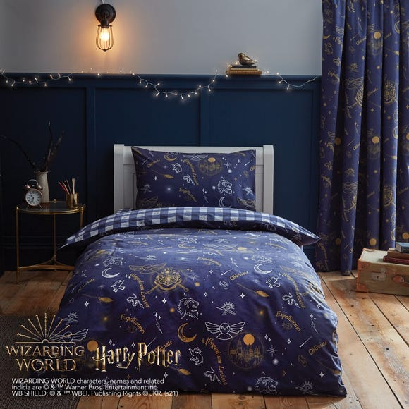 Harry Potter Hogwarts Glow in The Dark Duvet Cover and Pillowcase Set  undefined