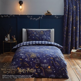 Harry Potter Hogwarts Glow in The Dark Duvet Cover and Pillowcase Set