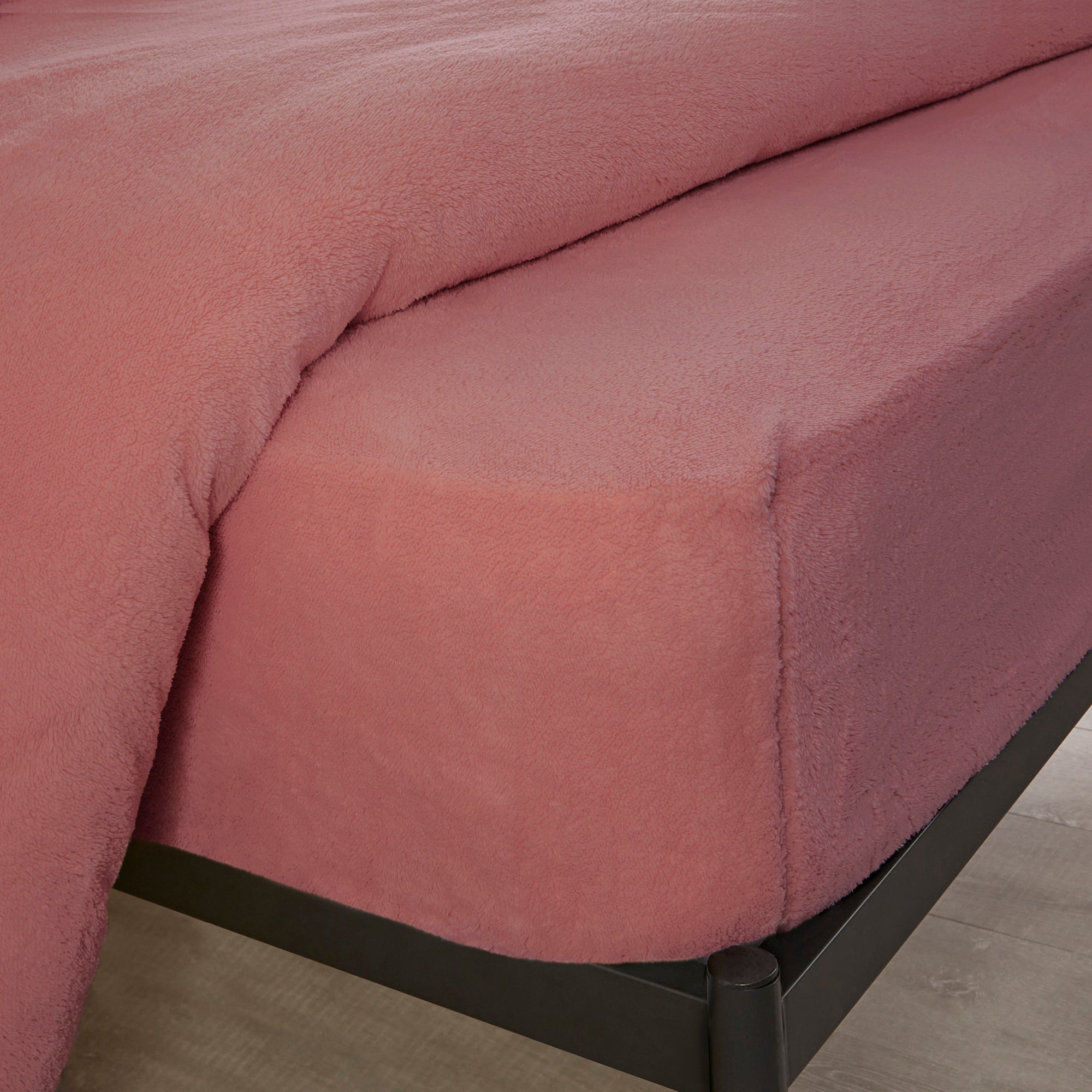 Photo of Teddy bear fitted sheet pink
