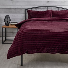Merlot Faux Fur Duvet Cover and Pillowcase Set