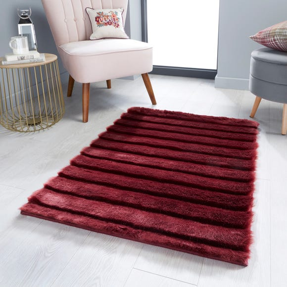 Carved Faux Fur Rug Merlot