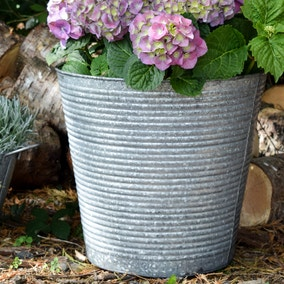 Set of 2 Ribbed Galvanised Planters