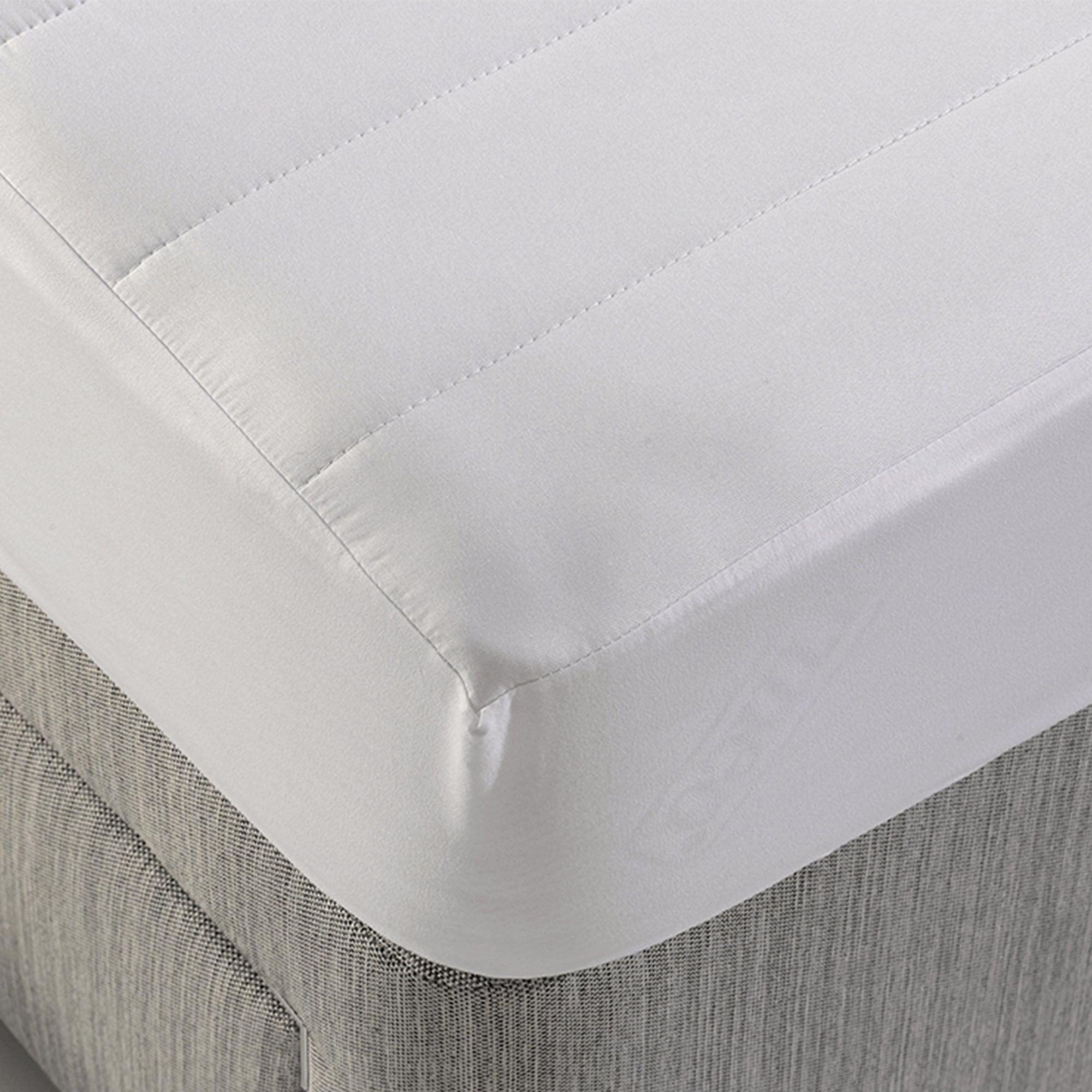 Dormeo Silver Mattress Protector White
