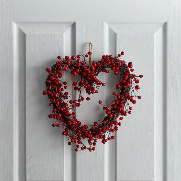 Berry Heart Wreath Red