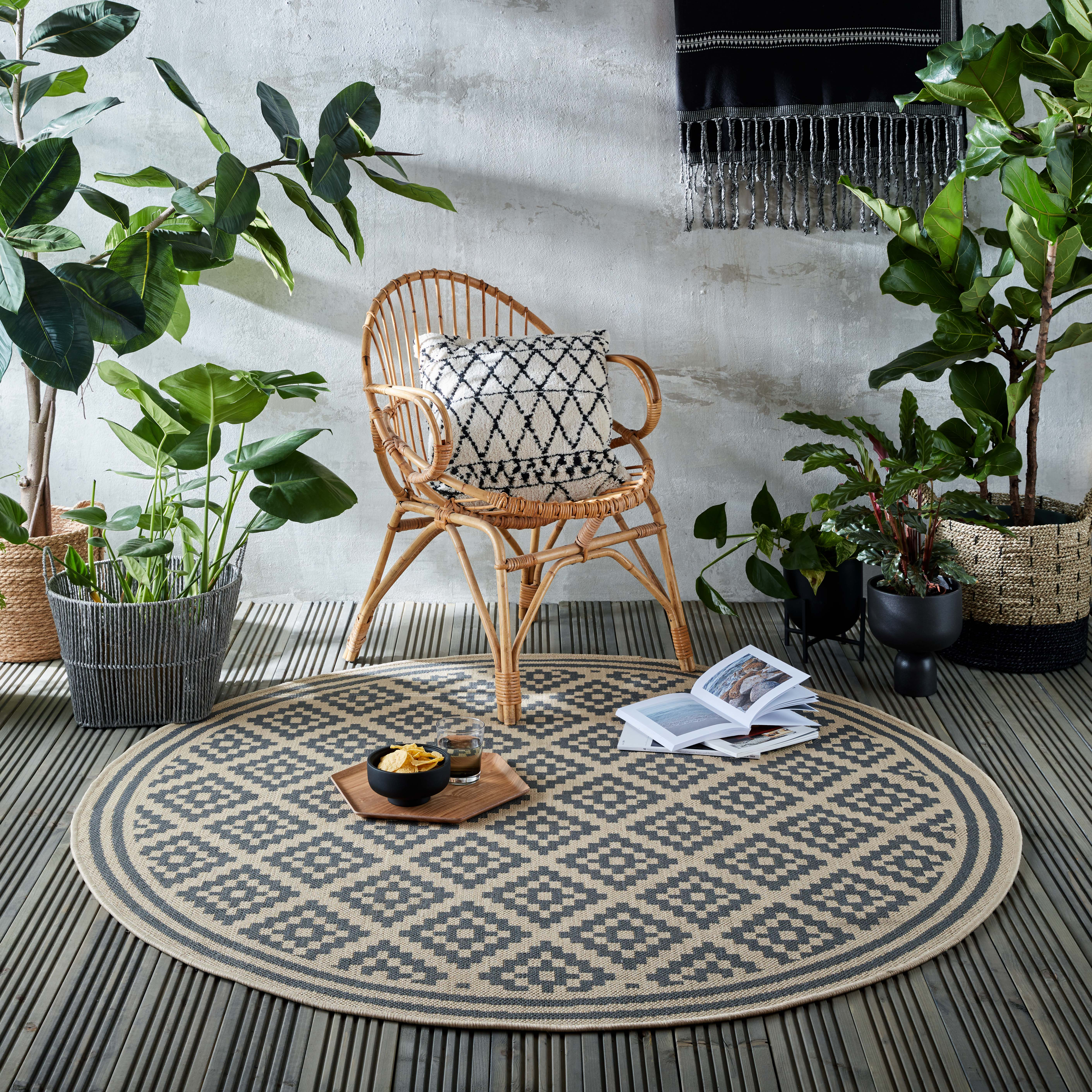 Photo of Indoor outdoor moretti circle rug blue and beige