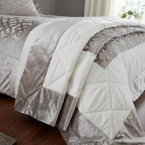 Catherine Lansfield Natural Lattice Cut Velvet Bedspread