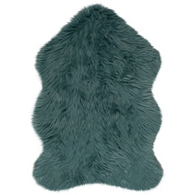 Single Pelt Faux Sheepskin Rug