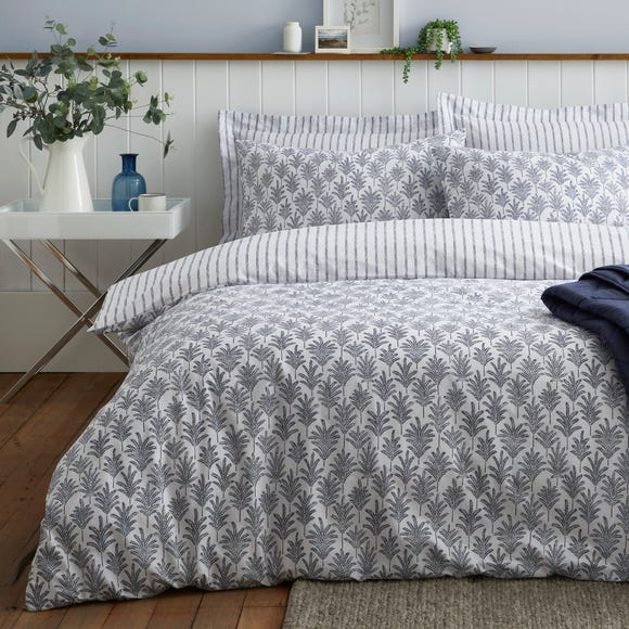 Marina Navy 100% Cotton Reversible Duvet Cover and Pillowcase Set  undefined