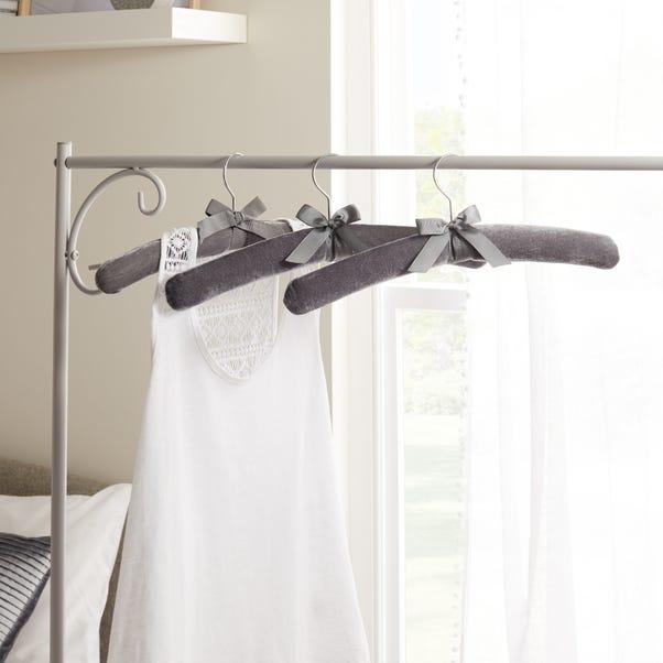 Set of 3 Luxe Grey Velvet Hangers Grey