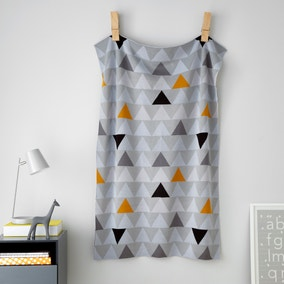 Elements Triangle Knitted Blanket