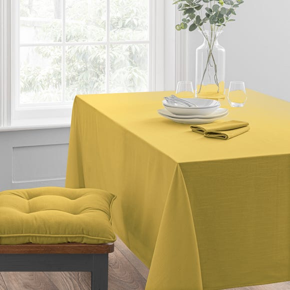 Isabelle Tablecloth  undefined
