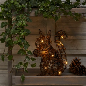 LED Solar Rattan Outdoor Light Up Squirrel