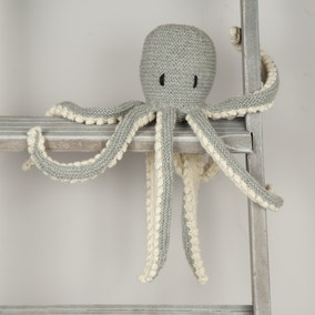 Wool Couture Robyn Octopus Grey Knitting Kit