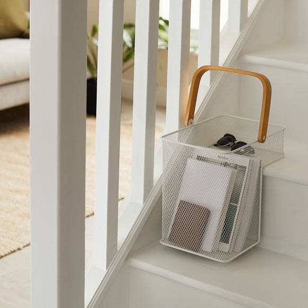 Metal Mesh Stair Basket White White