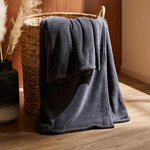 Recycled Fleece Throw Graphite (Grey) undefined