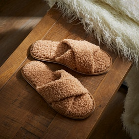 Curly Globa Camel Sliders
